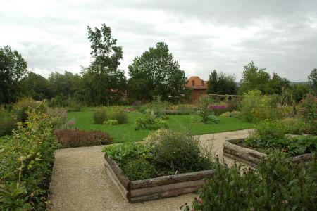 Jardin médicinal à Ellezelles (Les Jardins de la Grange) (2).JPG